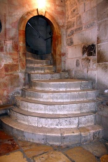 Calvary-steps-c-hlp