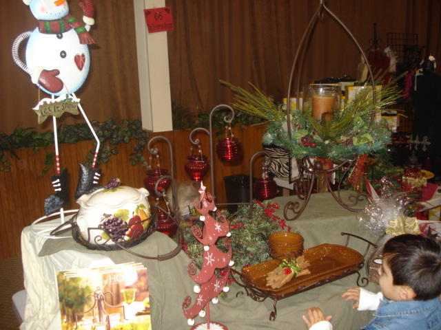Christmas shoppe 040